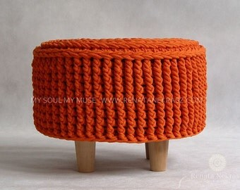 how to make a round footstool