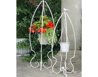 Cranfield Court Robin Hanging Planters With Stands