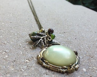 Green Charm Pendant Necklace