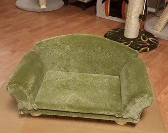 Hand Crafted Cat and Kitten Furniture.The Couch bed can be made in other colors.