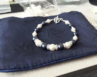 Bridesmaids bracelet in swarovski pearls