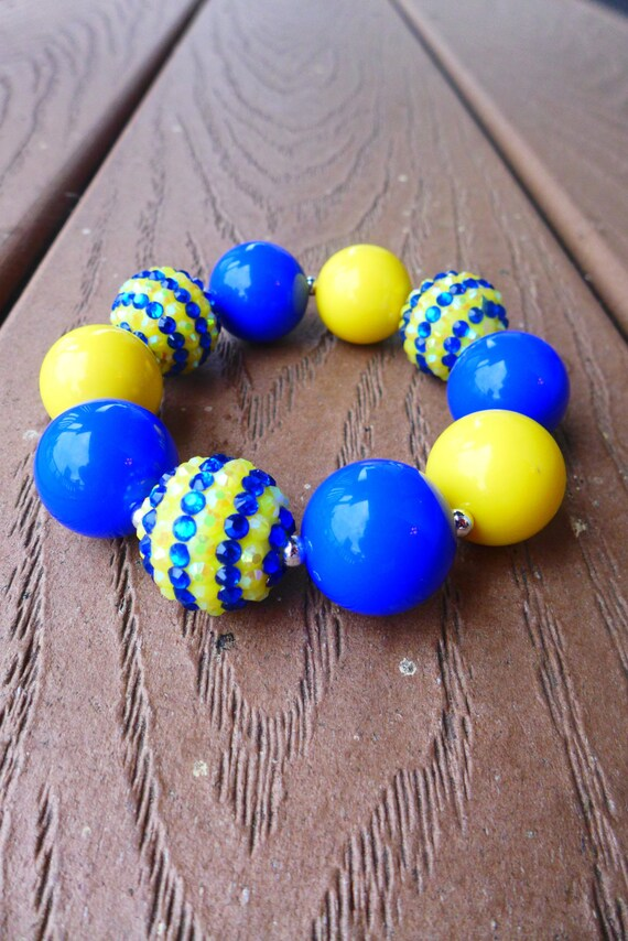 MINION Despicable Me Inspired Blue and Yellow Bling Bubblegum Bead Chunky Bracelet (Child Large or Adult Regular)