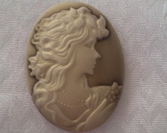 Lady Oval Cameo,Resin Antiqued Victorian Lady 32x42MM One Pc