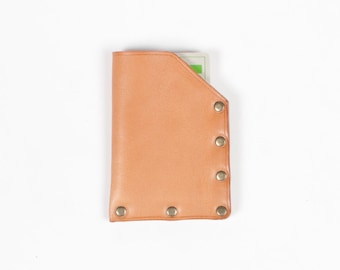 Minimalist card wallet / no stitch card wallet / rivet card wallet / vegatable leather case / one angular / natural color