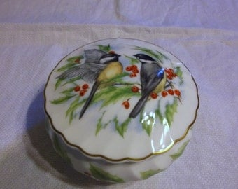 Vintage Josiah Wedgwood & Sons Chickadees and Holly Dish with Lid