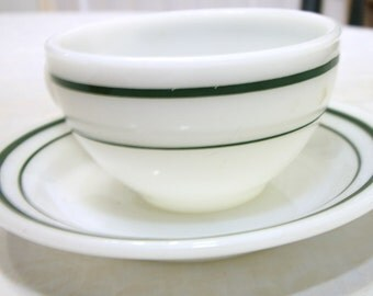 very rare 8 piece set Anchor Hocking vintage 946/917 green stripe4 cups and saucers