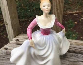 Lisa, Royal Doulton, 1960s, royal doulton, figurine, pink, white, collectible