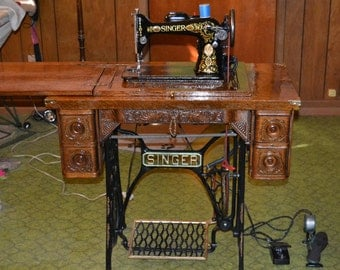1909 Singer Complete Reurbished Sewing Machine Toedle/electric