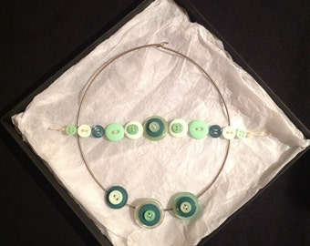 Marvellous Minty Green Layered Button Necklace and Bracelet Set