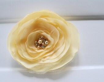 Bridal hair flower, pale yellow/lemon bridal hair flower clip, bridal hair accessories, floral headpiece, wedding hair accessory