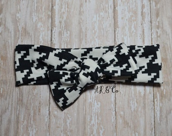 Black and White Houndstooth Knit Headband