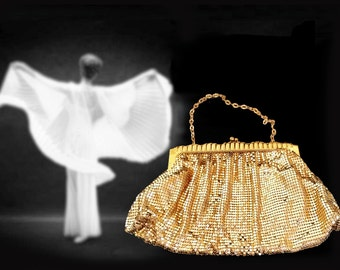 Old Hollywood Glamour!  Near Mint Condition Vintage Gold Mesh Whiting and Davis Evening Bag, with Original Hand Mirror