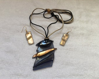 Smokey blue with gold necklace set