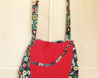 Kaleidoscope flowers with red contrast saddlebag/ purse!