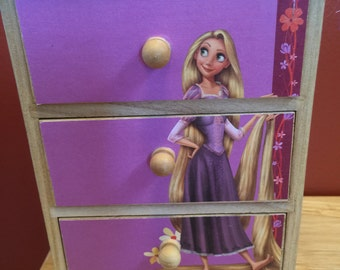"Disney Princess ""Rapunzel"" mini chest"
