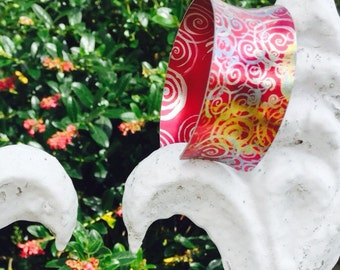 Summer red swirl aluminium cuff bangle