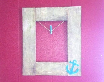 Beach Picture Frame, Clothespin Picture Frame, Clothes Pin Picture Frame, Beach Decor, Beach Cottage Decor, Coastal Home Decor, Pallet Frame