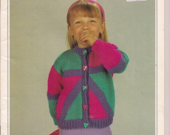 Geometric designed toddlers knitted cardigan very trendy and bright
