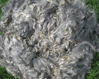 Raw goat down. Goat down for yarn.