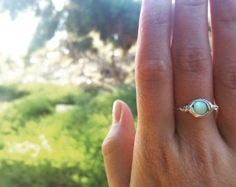 wire-wrapped mint glass bead ring