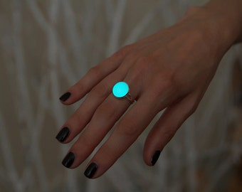 Glow in the Dark Ring - Glowing Ring - Aqua Glowing Ring - Glowing Jewelry - Glowing Circle - Glow in the Dark - Gift for Her - Blue Ring
