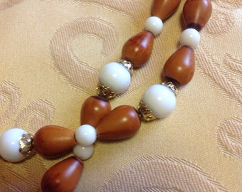 Vintage beaded necklace - retro beads