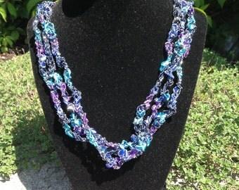 Ladder Yarn Necklace (Blue/Purple)