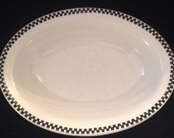 "FREE SHIPPING-Fabulous-Carr-China-Restaurant Ware-Checkered Edge-Black Chain-Very Durable-10""-Platter/Caserole Dish"