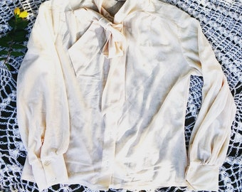 Vintage Womens 70's Cream Blouse with button and collar bow detail, size UK 10/12