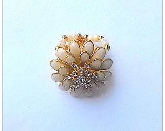Beige & Gold Flower Ring