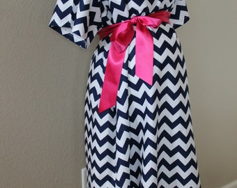 Maternity Hospital Delivery Gown in Navy Chevron, Delivery Gown, Perfect Snaps for Breastfeeding & Skin to Skin,Delivery Gown, Maternity