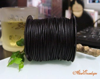 4 Meters of 2 mm Natural Black Round Leather Cord. RL2-01