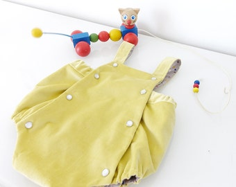 Romper Vintage pressures to size 6 months / 1 year , yellow and grey