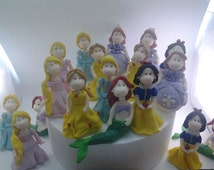Set of 18 princesses to Capucakes Handmade Cake Topper