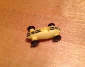 Nylon Car Button with moving wheels