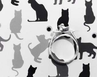 Mind the Cat Ring