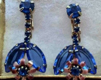 Vintage blue rhinestone and gold tone clip earrings