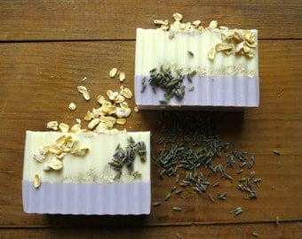 Lavender Soap with OATMEAL Exfoliant - 5 ounce Bar, Goat's Milk, Two Toned, Moisturizing Soap, Crinkle Cut, Handmade Gift, Exfoliating Soap