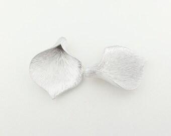 P0030/Anti-Tarnished Matt Rhodium plating over Brass/Calla Leaf Pendant Large/26 x 35 mm/2pcs