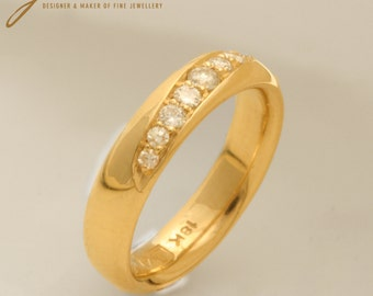 18 ct Gold and 9 Diamonds Eternity Ring - Contemporary Modern