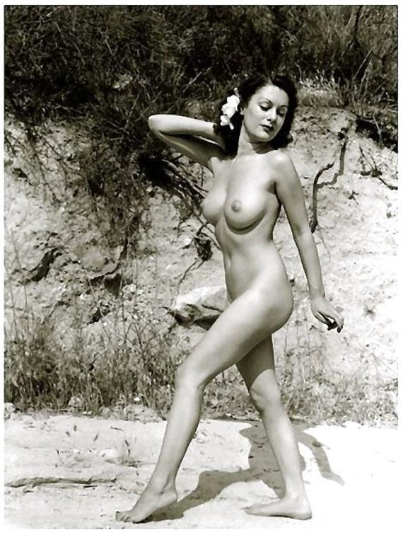 1930 s era nue étude-nu sur la plage avec fleur-noir et blanc - tailles multiples-[730-642] Sexy Floral classique érotique féminin