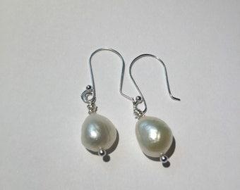 Freshwater drop pearl earrings