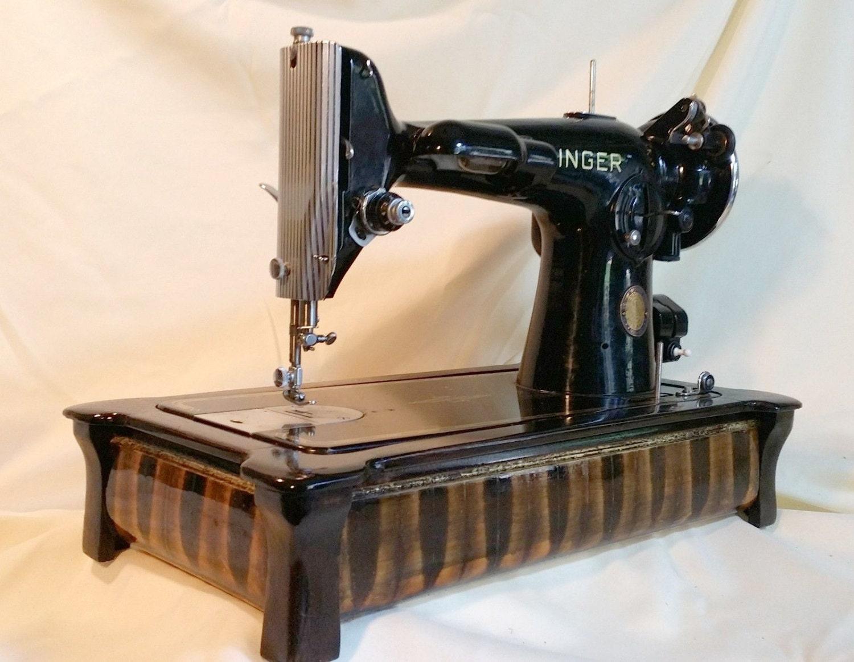 the designer series singer sewing machine wood base. Black Bedroom Furniture Sets. Home Design Ideas