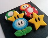 6 Mario  cookies decorated with vanilla fondant