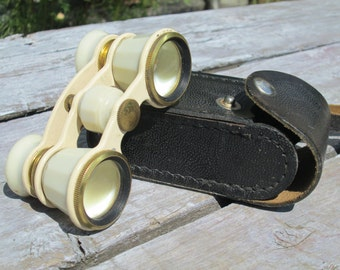White theatre Binoculars glasses Vintage Russian Opera Binoculars Soviet Opera  Vintage binoculars 70s USSR small leather case antique