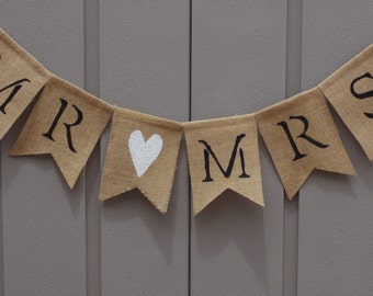 Mr and Mrs Banner/Sign, Mr and Mrs Burlap Banner Bunting Garland, Rustic Wedding, Bride & Groom Sign, Wedding Reception, Newlywed Photo
