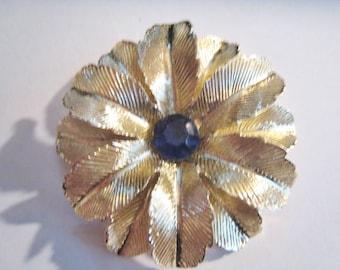 Gold Tone Pin
