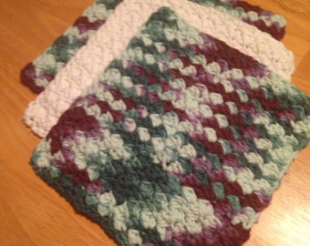 Crochet Dish/Wash Cloth Set of 3. Handmade 100% Cotton - White and Maroon/Green Ombre, Bridal Gift, Housewarming Gift