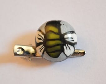 Polymer clay bee brooch / hair pin