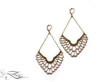 Falling flowers - earrings with tip